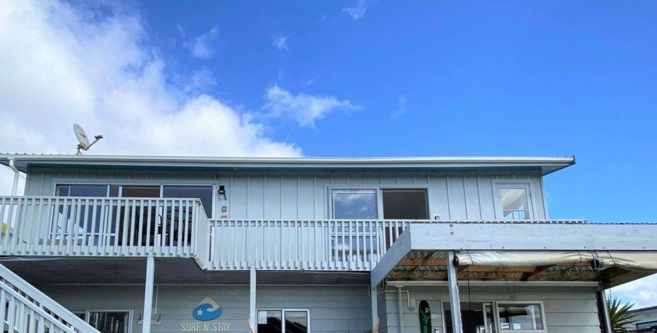 Surf n Stay Whangamata exterior